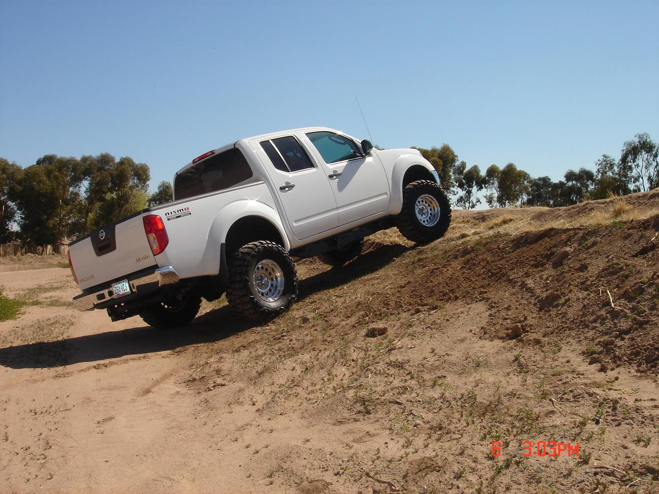 Pictures w leveling kit or lift kit in 2nd generation frontier nissanfrontierupload smallg vanachro Gallery